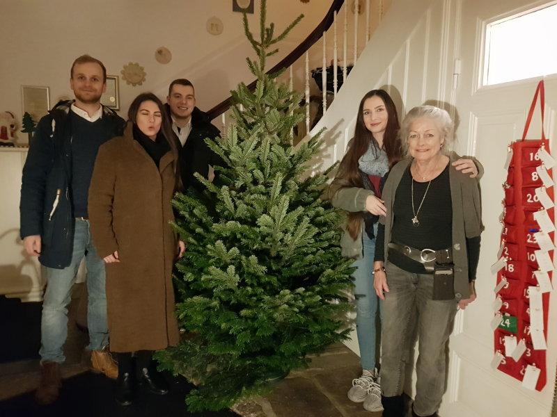 Das Tannenbaum.Ein Tannenbaum Für Das Agape Haus